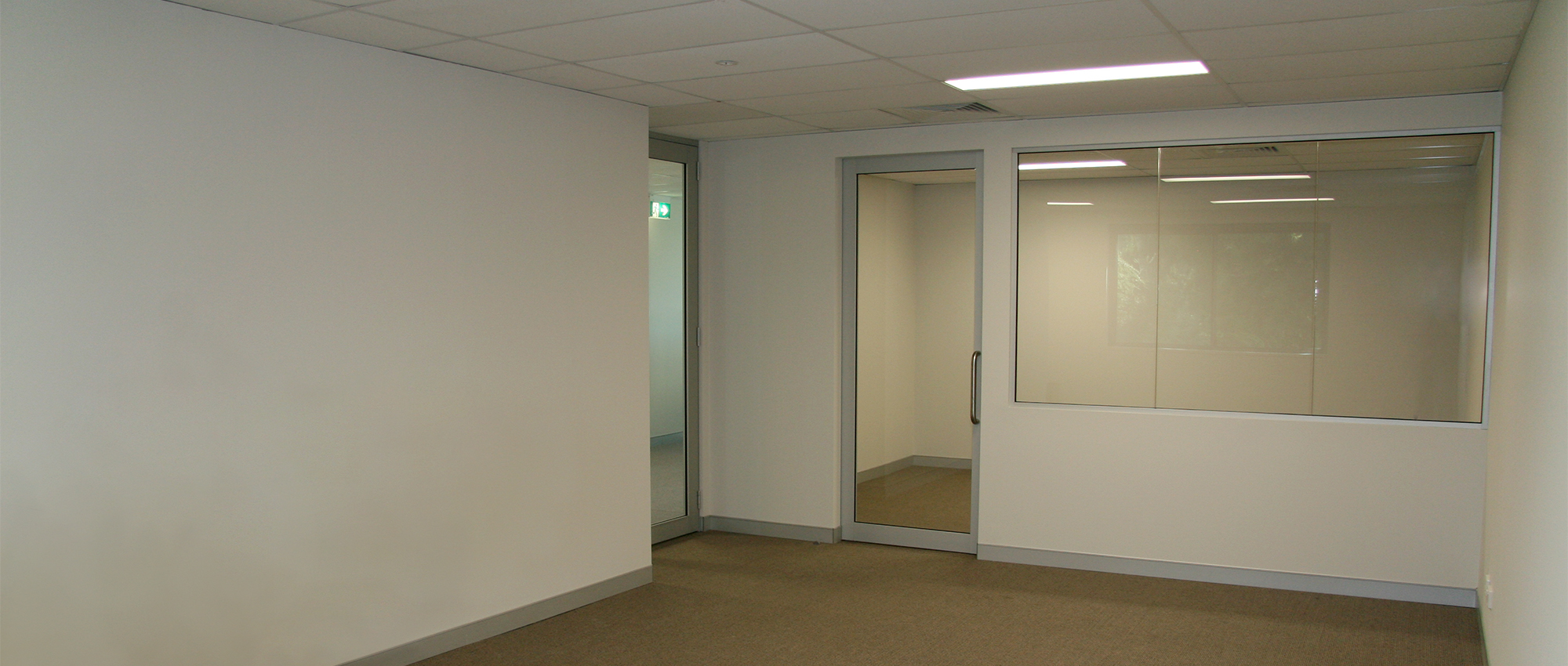 Office Plus Perth Fit Out Wall and Window 02 Glass Glazing Office Wall Construction Fit out Door Skirting Design